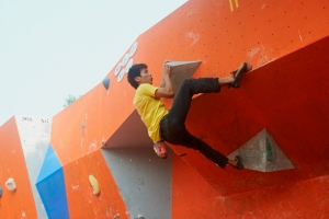 Adriel at the 2014 Girivihar Climbing Competition (Photo: Sharad Chandra)