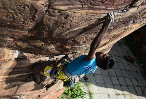Manju climbing (Photo: courtesy Ganesha)