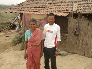 Kamlya with his mother Sangibai (Photo: Latha Venkatraman)