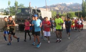 At the start of the 10km-training run, road to Spituk, Leh (Photo: Shyam G Menon)