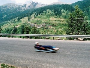 Luger coasting down the road at Solang; from the talent scouting camp (Photo: courtesy Shiva Keshavan)