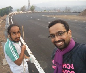 Inderpal (left) with Jayaraman Rankawat during the run from Mumbai to Goa (Photo: courtesy Inderpal Singh Khalsa)