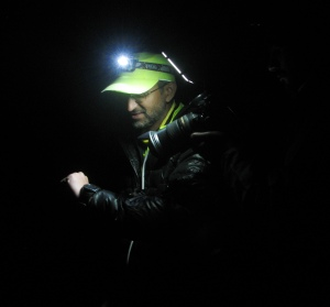 Early morning August 12; Race Director Dr Rajat Chauhan counting down to cut-off at North Pullu (Photo: Shyam G Menon)