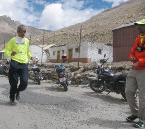 Race Director Dr Rajat Chauhan (right) looks on as Capt Rajesh Wadhwa (left) reaches South Pullu in the nick of time (Photo: Shyam G Menon)
