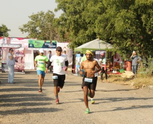 The start of the 160 km race at Bhatti Lakes Ultra (Photo: courtesy Kieren D' Souza)